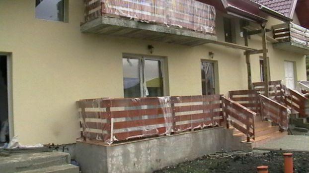 Casa Si Gradina Materiale Constructii Amenajari Terase Si Balcoane Din Lemn Botosani